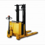 EJC 15/17 Electric pedestrian operated stacker