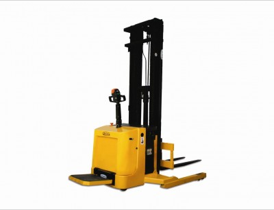 ERB 15 / 17 / 20 / 30 – Electric Stand-on Straddle Stacker